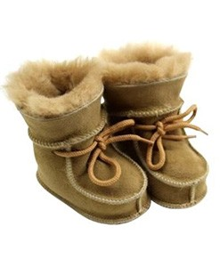 Sheepskin Lambskin slippers and accessoires
