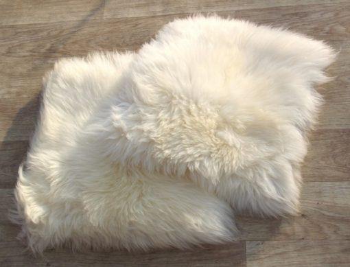 kussen-schapenvacht-dikke-wol-naturel-70-cm-