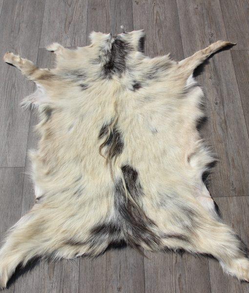 geitenvel-geitenhuid-geitenvacht-decoratie (5)