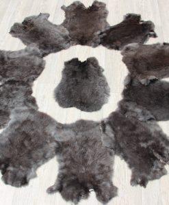 konijnenvachtje-konijnvel-zwart-bruin