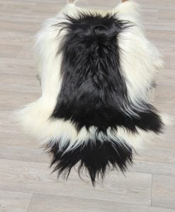 schapenvacht-eco-langhaar-zwart-wit