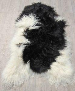 schapenvacht-herkomst-ijsland-langharig-zwart/wit