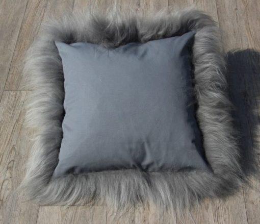 kussen-schapenvacht-grijs-brisa-50cm