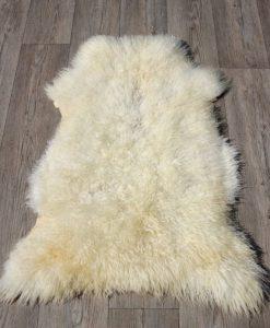 schapenvacht-melerade-witte-krulvacht