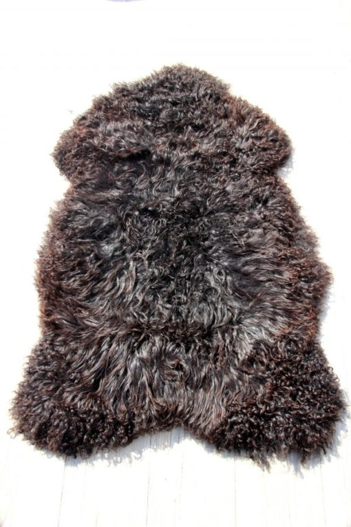 gotlandse-schapenvacht-zwart-bruine-wol-