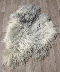 schapenvacht-langharig-grijs-knuffel-zacht