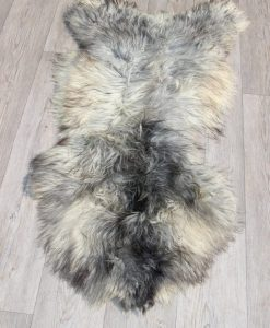 schapenvacht-melerade-grijs-met - warrelige- wol