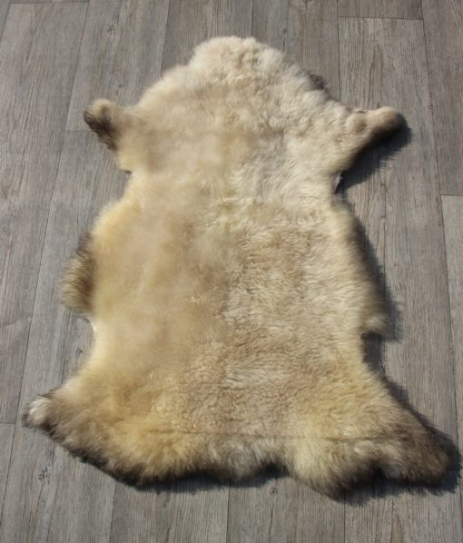 schapenvacht-lamsvacht-d113-taupe-dikke-wol