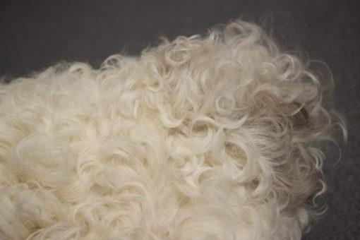 kussen-schapenvacht-krulwol-6 (3)