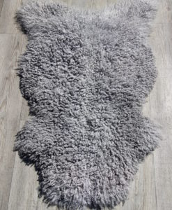 schapenvacht-grijs-gotland-krulwol-l0025