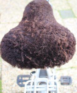 fietszadel-dek-schapenvacht-bruin-donja-