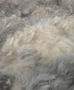 schapenvacht-kleed-tapijt-plaid-grijs-patchwork-ijsland-detail