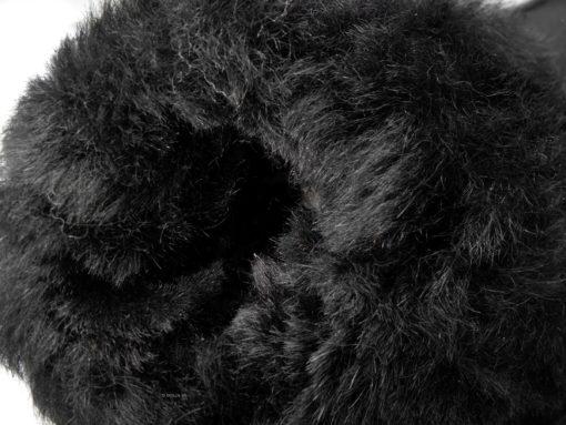 een detail van de zwarte schapenvacht-wol-