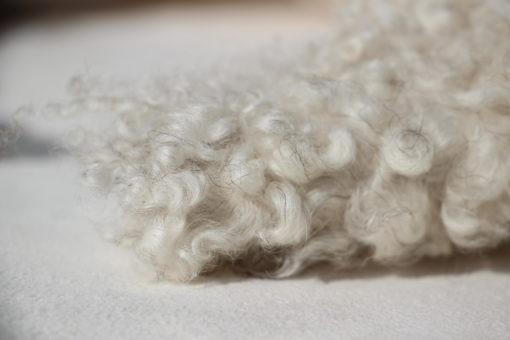 detail-foto-luxe schapenvacht-gotlands schaap-grijs-beige-