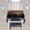 stoelkussen-schapenvacht-uk-bruin-10
