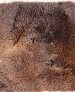 stoelkussen-schapenvacht-uk-bruin-8