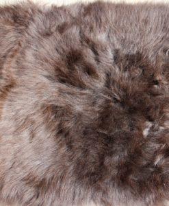stoelkussen-schapenvacht-uk-bruin-9