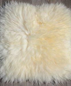stoelkussen-schapenvacht-naturel