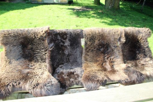 bruine,grote schapenvacht,multifunctioneel in gebruik