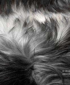 schapenvacht-tapijt-donkergrijs-IJslands-schapenvacht-langharig-©