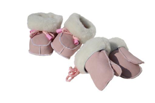 baby slofjes van zacht schapenvacht , zoollengte 10cm + wanten