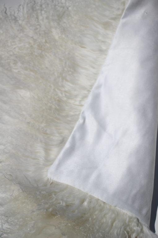 tibet-kussen-stoelkussen-40-40-white-chairpad met voering aan de achterzijde